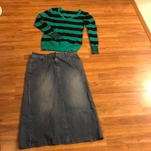Long jean skirt with a cute green/navy sweater